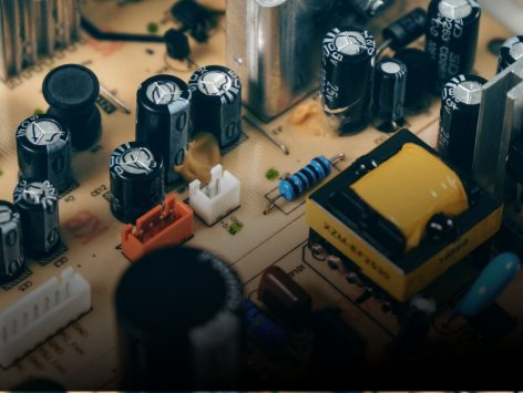 курс по електроника